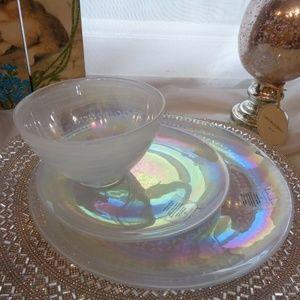ARTISTIC ACCENTS IRIDESCENT GLASS  12PC DINNERWARE